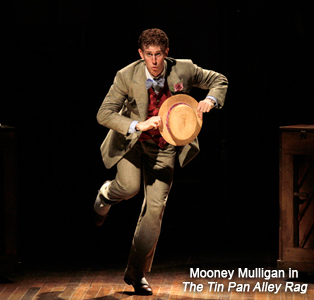 Mark Ledbetter as Mooney Mulligan in The Tin Pan Alley Rag